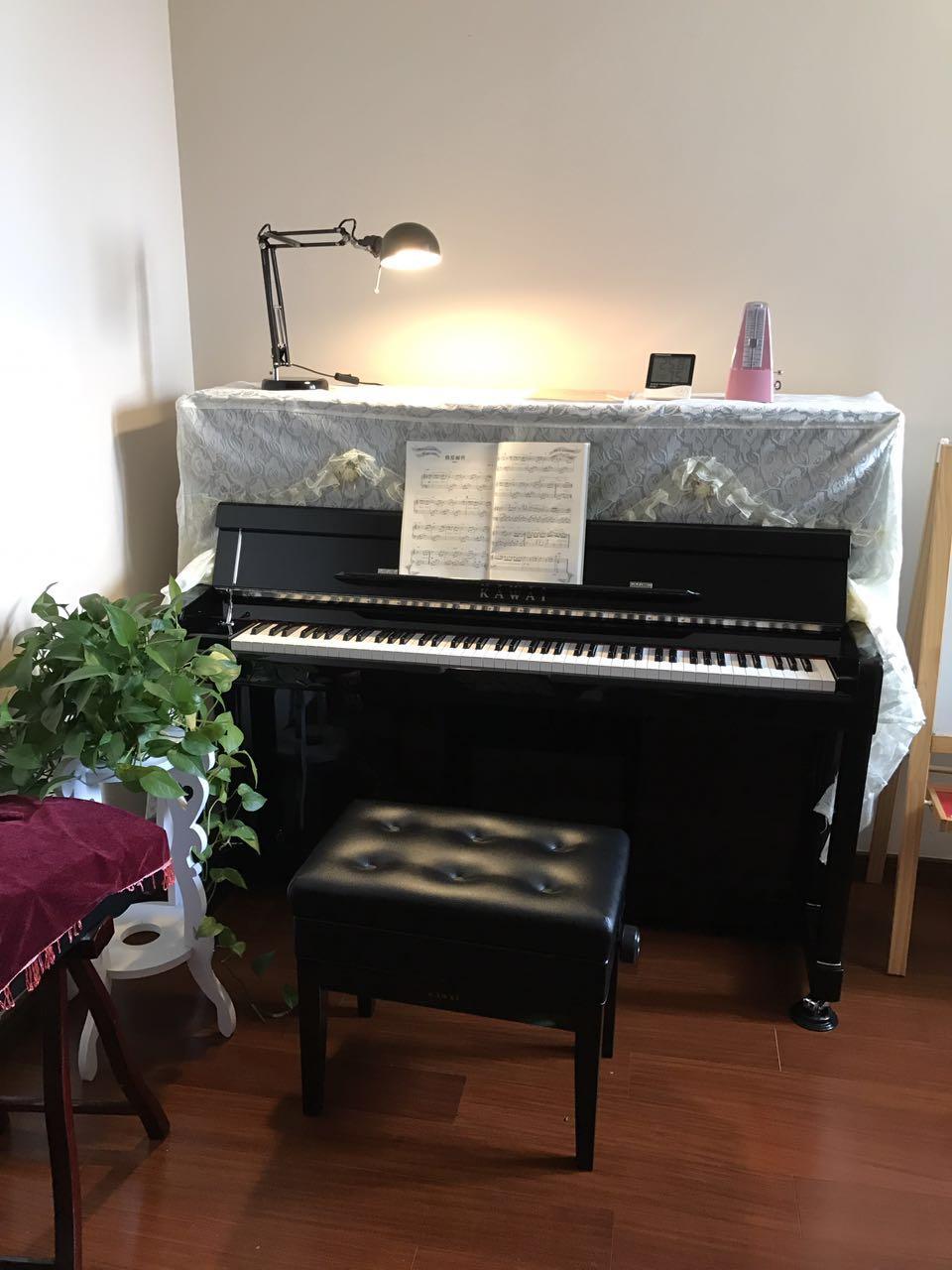 只有纯手工制作的成品方能称之为钢琴.